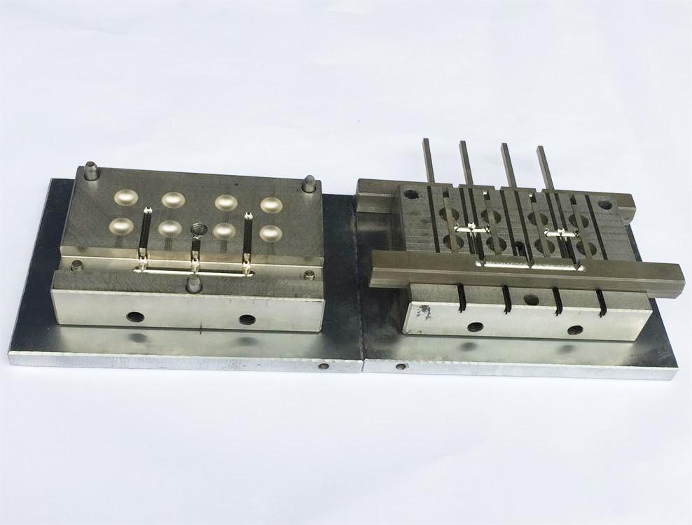 LED灯罩模具厂家