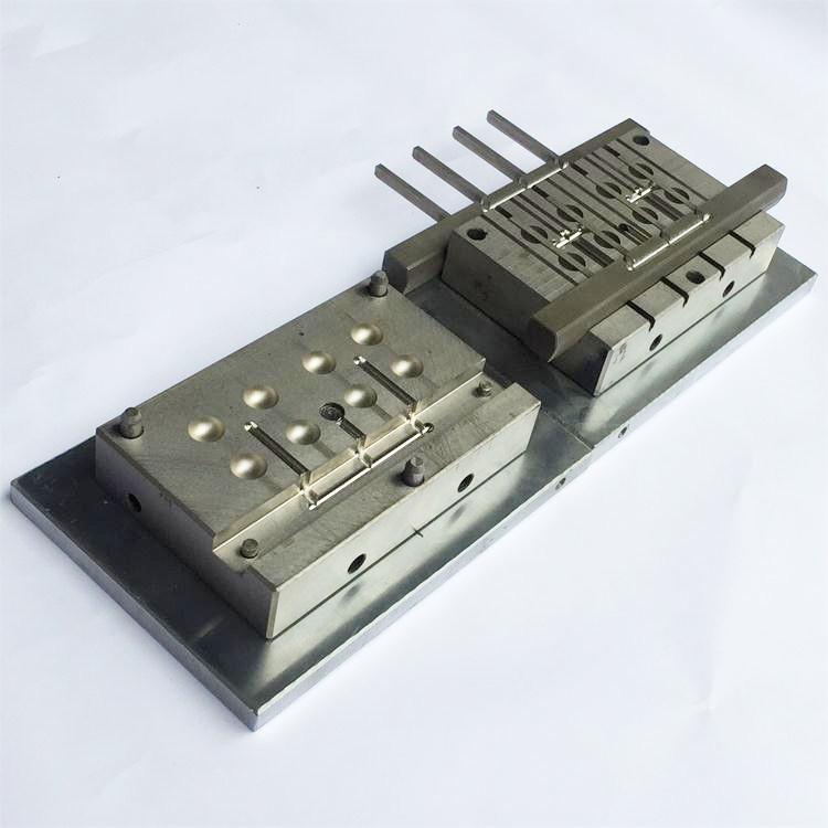 深圳LED灯罩模具