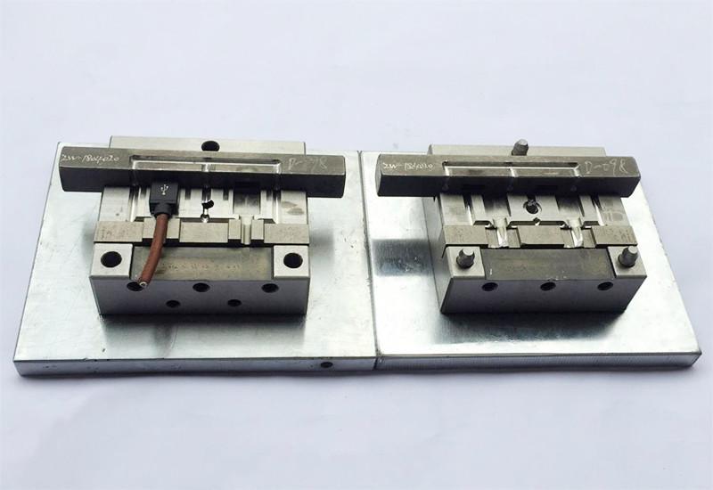 东莞USB模内成型模具