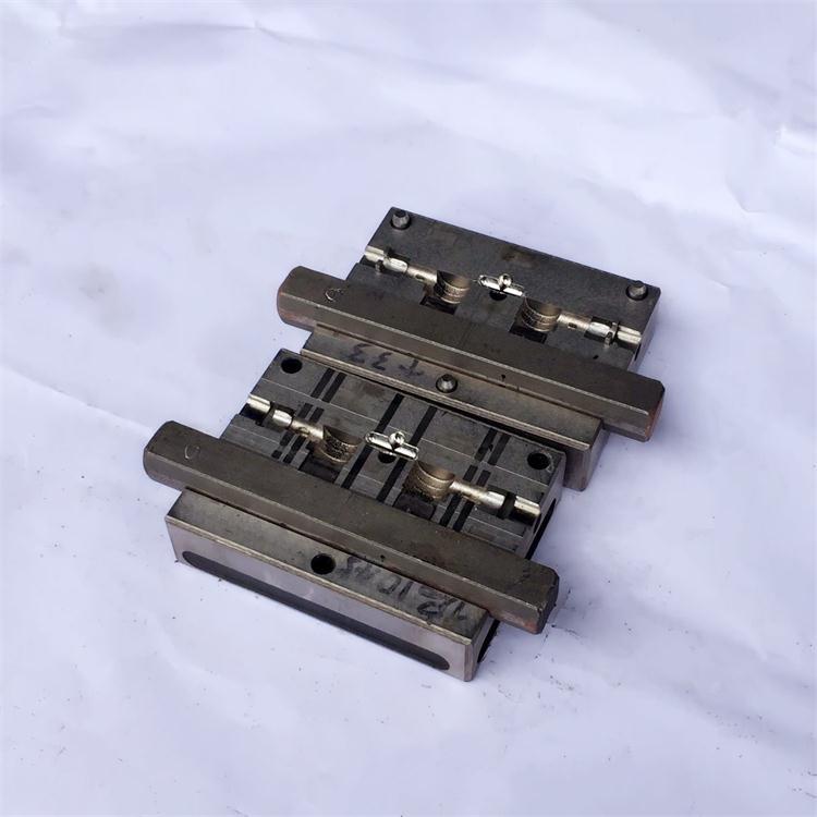 USB弯头模具