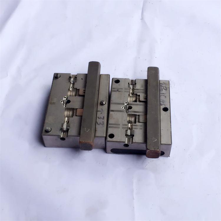 东莞USB弯头模具