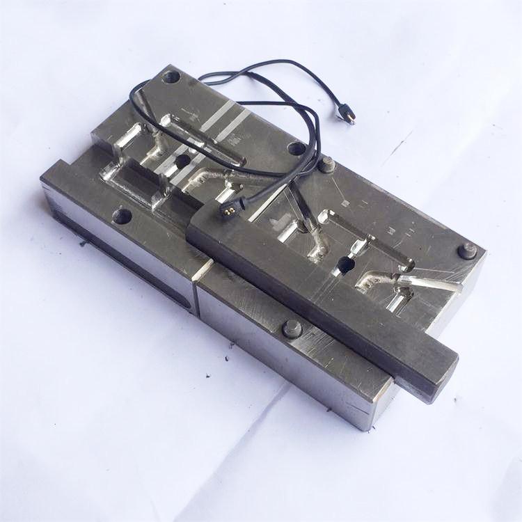 插拔试耳机模具制作设计