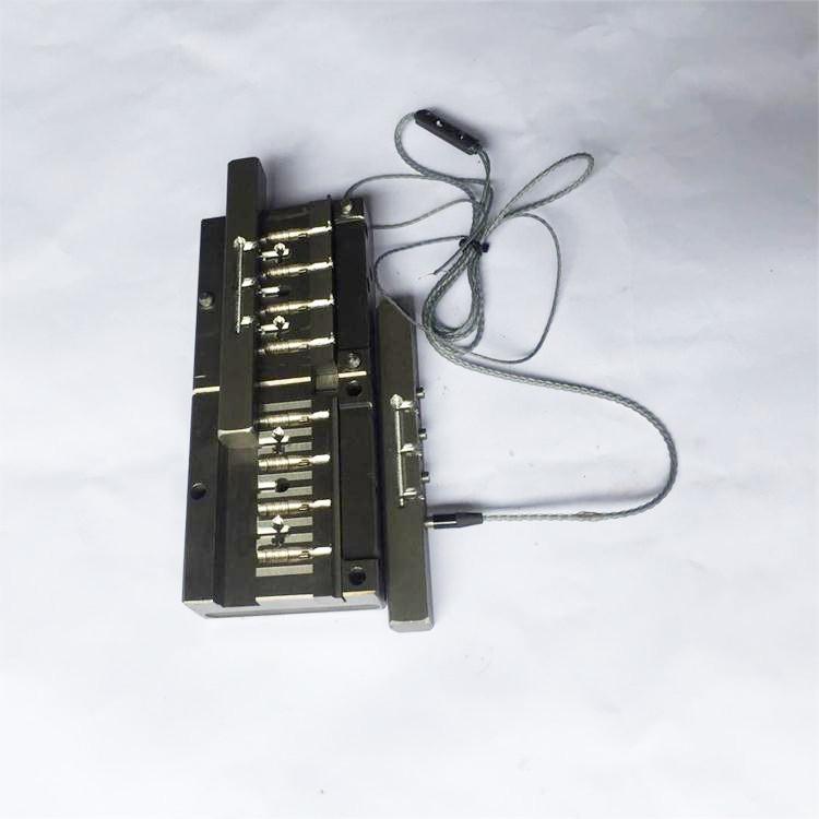 东莞凤岗耳机插针模具
